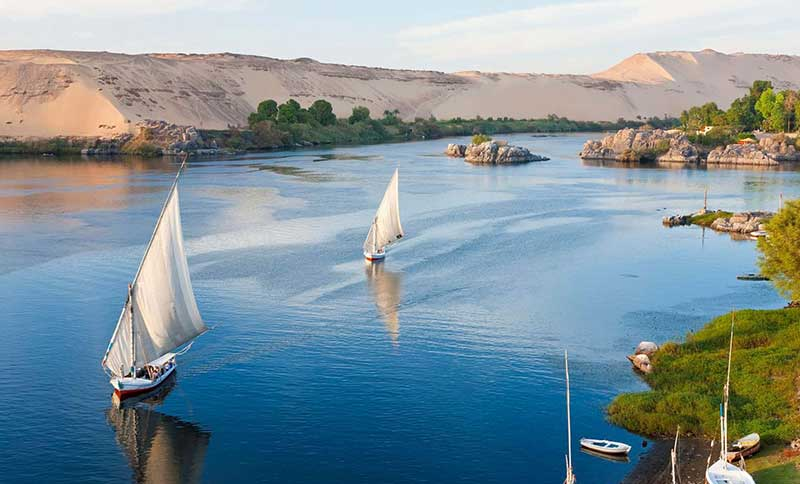 luxor aswan by train